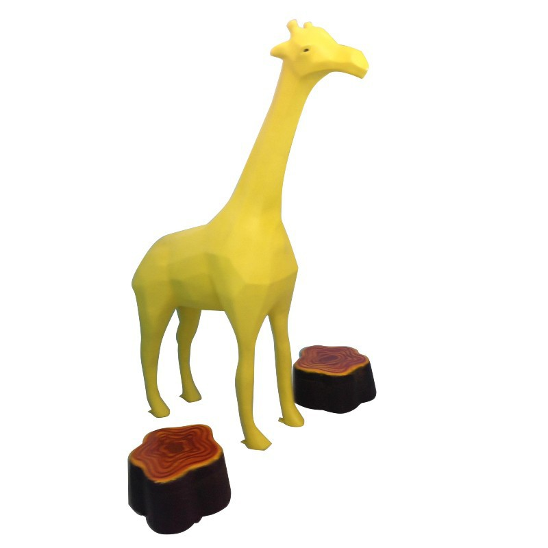 FIBERGLASS GIRAFFE MODEL